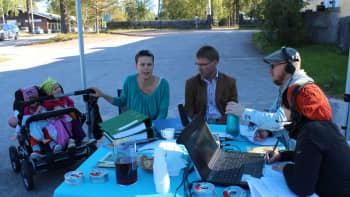 Milla Nurminiemi ja lapset Milja ja Venla Radio Keski-Suomen vieraana Multialla.