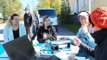 Janette Suomisen ja Sini-Pilvi Laurilan kesä vierähti töissä Sinervän leirintäalueella.