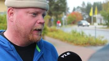 Harri Kinnunen radiohaastattelussa.