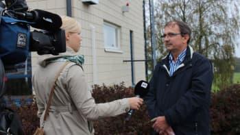 Annika Rantanen haastattelee Manu Toikkasta.