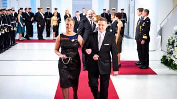 Valtiovarainministeri Jutta Urpilainen ja Juha Mustonen.