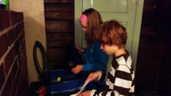 Lapset tiskaavat