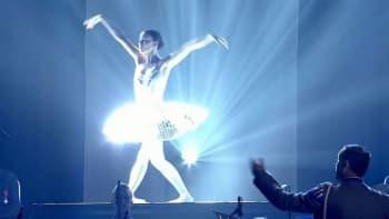 Kansallisbaletin tanssija Linda Haakana veteraanipäivän pääjuhlassa Hämeenlinnassa