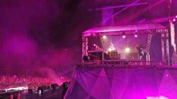 Armin van Buuren esiintymässä Weekend Balticin päälavalla perjantaina.