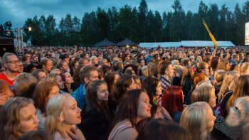 Haloo Helsinki veti Ounaspaviljongin sananmukaisesti tupaten täyteen väkeä.