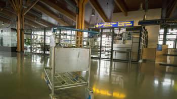 Varkauden lentoaseman sisätiloja.