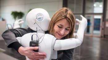 """'Pepper"""" robotti CeBIT tietokone- ja teknologiamessuilla Hannoverissa Saksassa. Messut pidetään 14-18 maaliskuuta."""