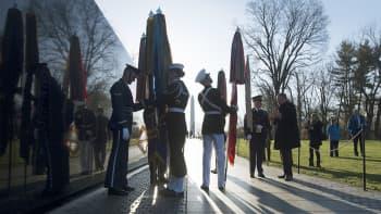 Yhdysvalloissa vietettiin Vietnamin sodan 50-vuotis muistopäivää laskemalla seppele muistomerkille Washingtonissa 29. huhtikuuta