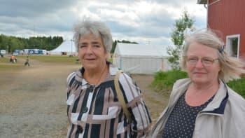 Aune Takkinen ja Elle Sairainen tulivat seuroihin pakettimatkalla