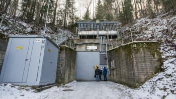 väestönsuojatarvikehuutokauppa kuopio vss-varasto katastrofi valmistautuminen selviytyminen sisäänkäynti kallio mäki