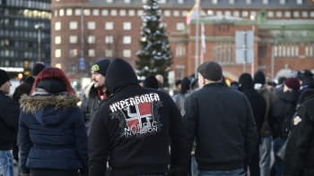 Mielenosoitus Hakaniemen torilla.