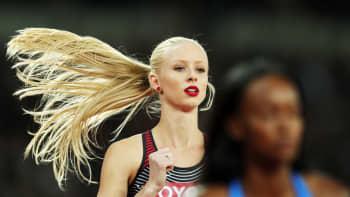 Kanadan Sage Watson valmistautumassa 400 metrin aitajuoksun semifinaaliin Lontoon yleisurheilukisoissa 8. elokuuta.