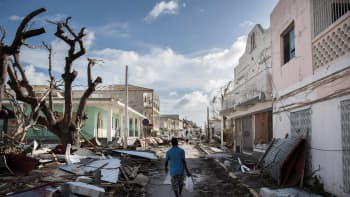 Hurrikaani Irman tuhoama katu Saint-Martinin saarella 8. syyskuuta.