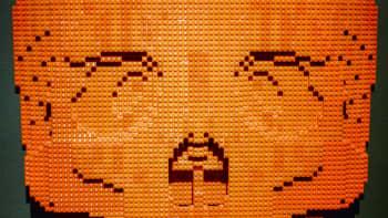 Nathan Sawaya, Art of the Brick, lego, Skull Red