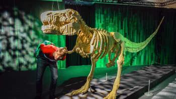 Nathan Sawaya, Art of the Brick, lego, Tyrannosaurus rex