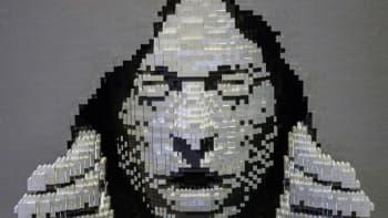 Nathan Sawaya, Art of the Brick, lego, Grey
