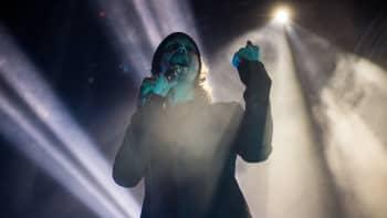 Him jäähyväiskiertueella Lontoossa 19. joulukuuta 2017