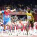 Sergei Shubenkov (kesk.) juoksi miesten 110 metrin aitajuoksun maailmanmestariksi Pekingissä 2015.