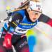 Ingrid Tandrevold hiihtää kieli ulkona suusta.