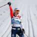 Therese Johaug tuulettaa kymmenettä henkilökohtaista maailmanmestaruutta Oberstdorfissa.