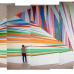 "Nigerialaisen taiteilijan Odili Donald Oditan ""Time Curve"" -teoksen pystytys Kiasmassa."