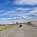 Matti Lieskala ajaa autiomaassa