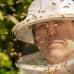 Mehiläistenhoitaja Hannu Torkkel.