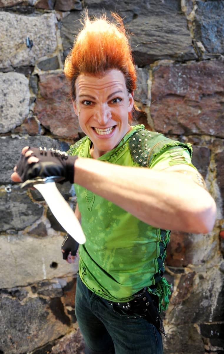 Ryhmäteatterin Peter Pan eli Riku Nieminen.