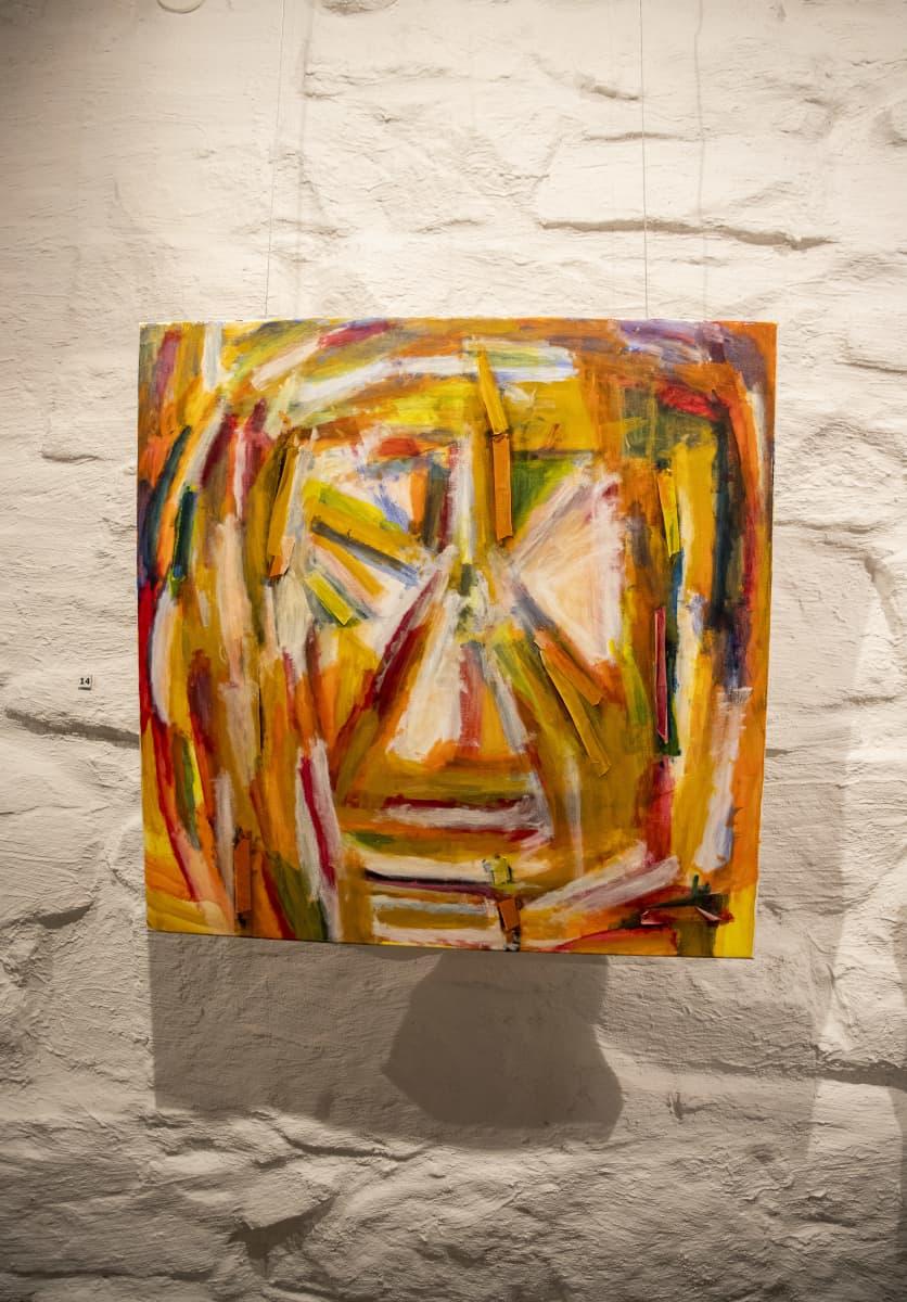 """Seita Tenttulan maalaus """"Enon kasvot"""" Galleria Pihatossa."""