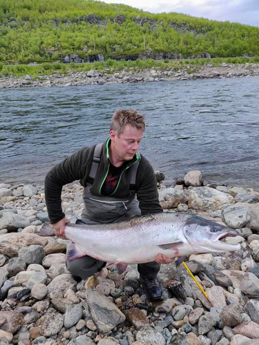 Janne Rautasen perhoon iski vuonna 2019  lohi, joka painoi 23,14 kiloa. Pituutta kalalla oli 135 senttimetriä.