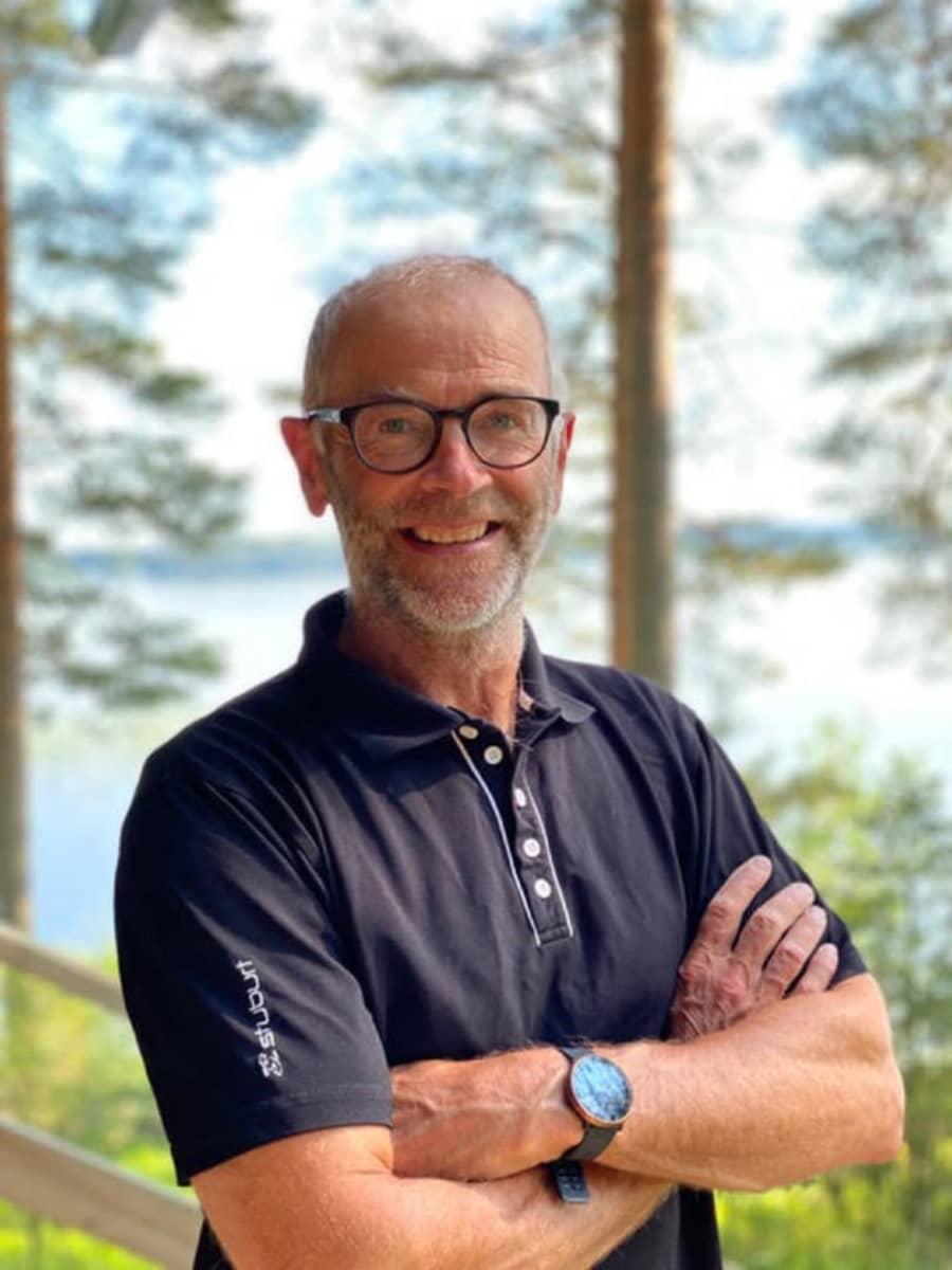 kuvassa enkelisijoittaja Jussi Heinilä