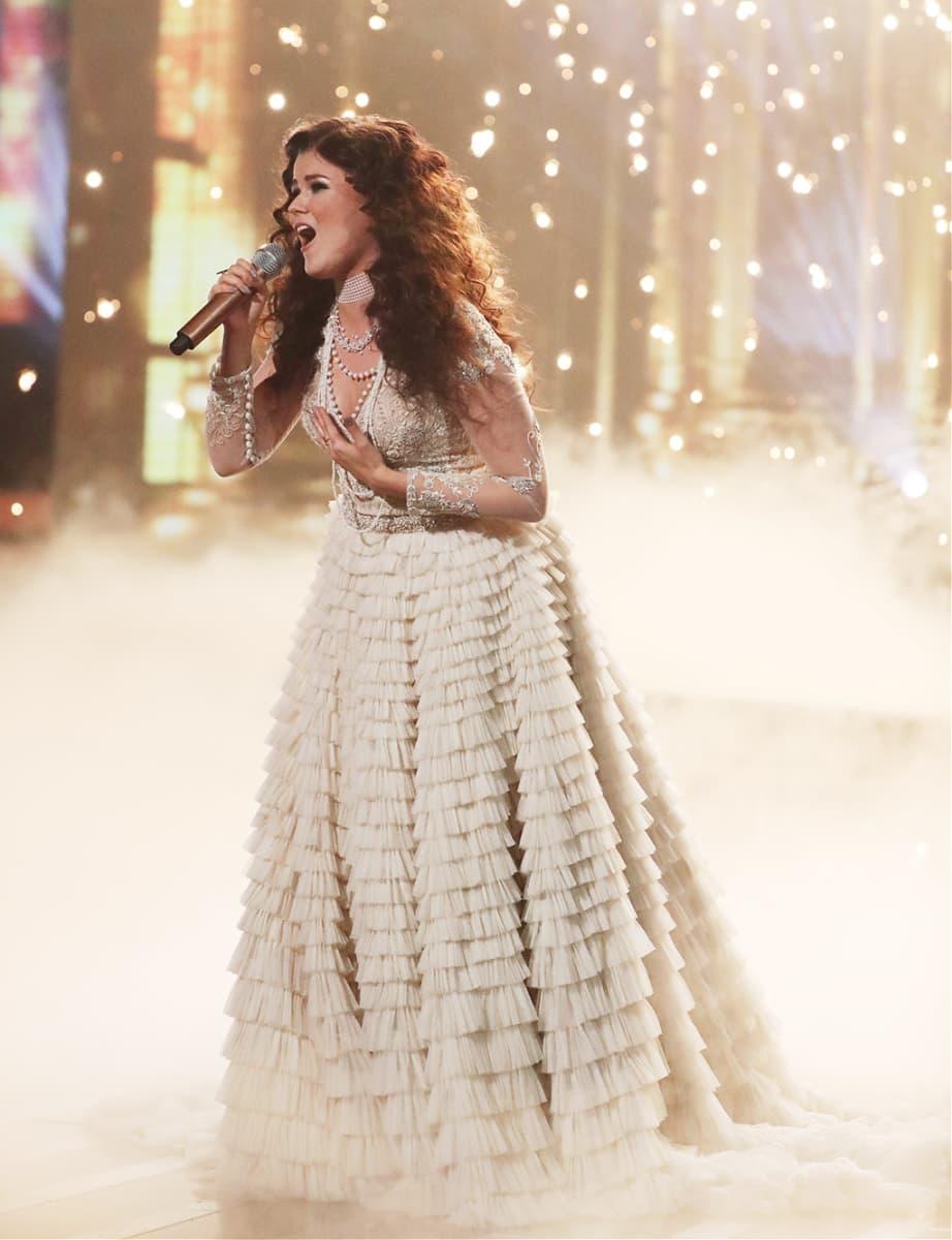 Saara Aalto esitti lauantaina X Factorissa Titanic-elokuvan tunnussävelmän My Heart Will Go On.