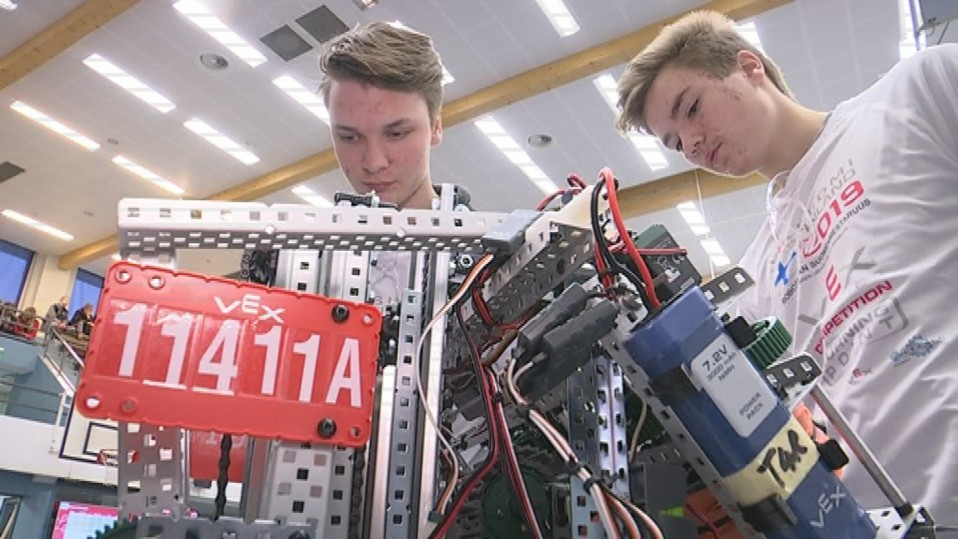 Lukiolaiset Jeremiah Allred ja Eemil Lähteenmäki ovat jo robotiikkakonkareita –