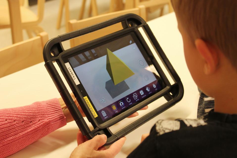 Tekniikkaa voi hyödyntää varhaiskasvatuksen opetuksessa monin eri tavoin.