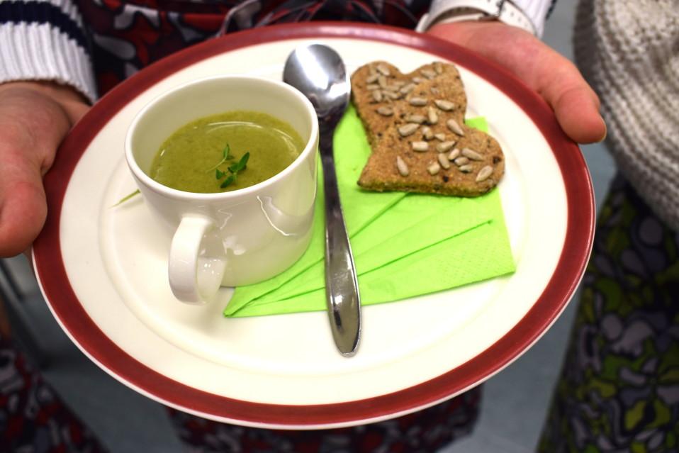 Ilmastonmuutos kannusti koululaiset tekemään lähiruokaa kokkailukisaan – katso videolta, millaisia nuorten annokset ovat