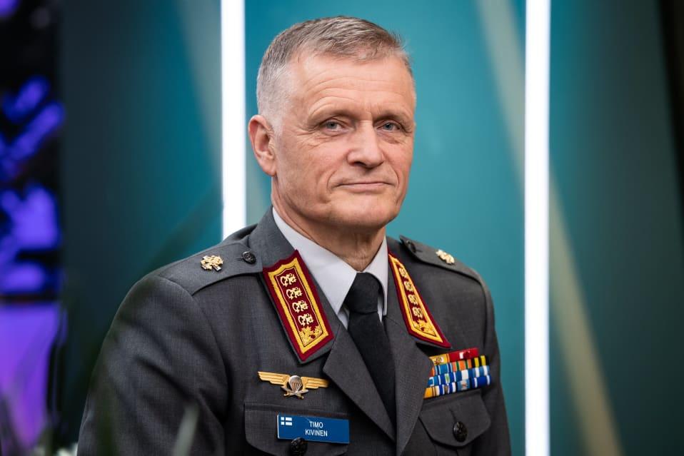 Puolustusvoimain komentaja Timo Kivinen.