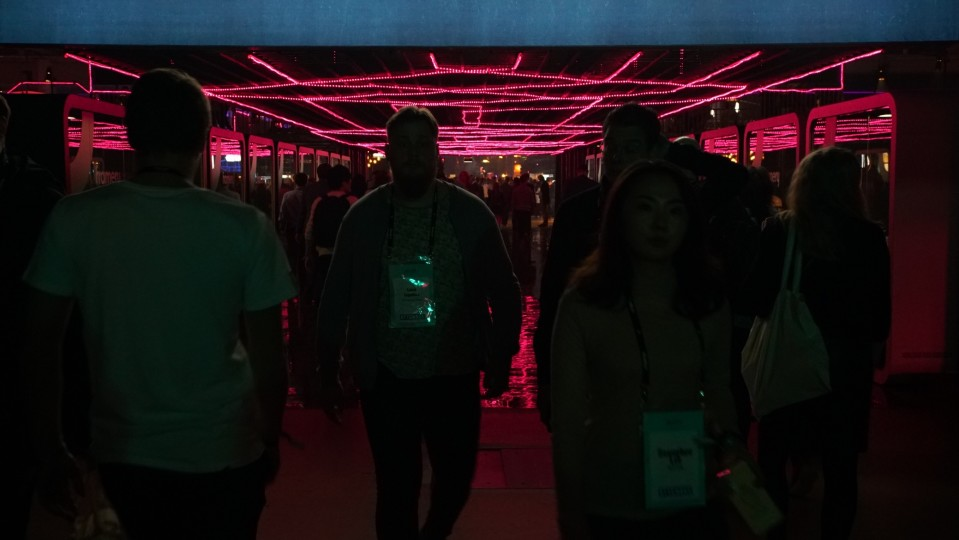Purple lights, silhouettes at Slush 2018#source%3Dgooglier%2Ecom#https%3A%2F%2Fgooglier%2Ecom%2Fpage%2F%2F10000