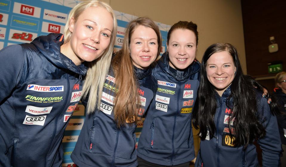 Suomen naisten 10km perinteisen kisan ennakkoinfo. Kuvassa Anne Kyllönen, Laura Mononen, Kerttu Niskanen ja Krista Pärmäkoski.