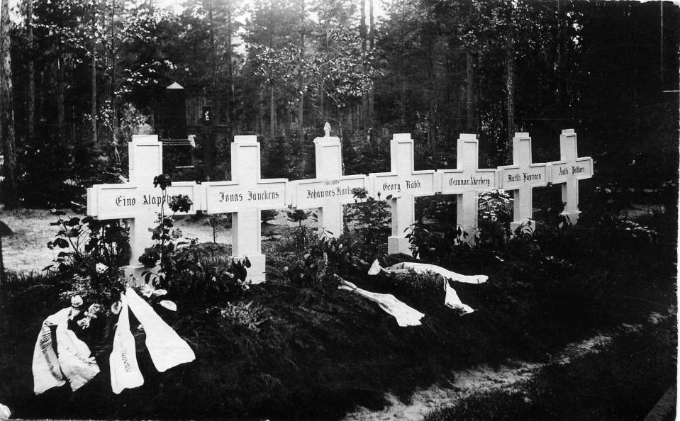 Gravar från 1918.