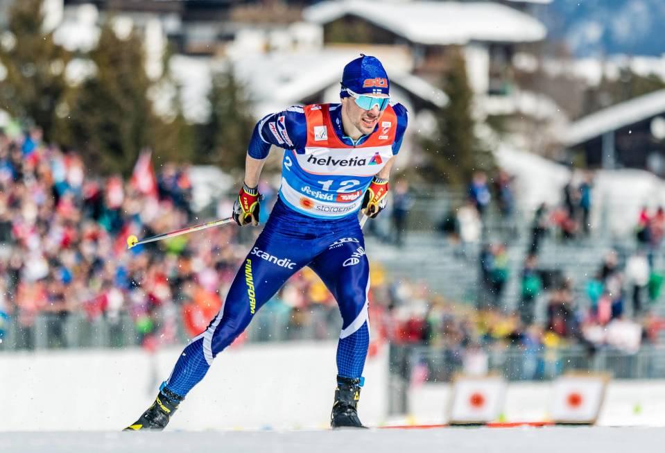 Ristomatti Hakola on kausi kaudelta parantanut vauhtiaan normaalimatkoilla. Vaikka kuvan MM-kisat Seefeldissä menivät alakanttiin, Otepäässä hän sijoittui perinteisen 15 kilometrillä yhdeksänneksi.