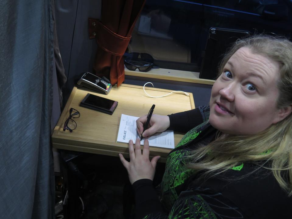 Johanna Vilpas kirjoittaa laskua