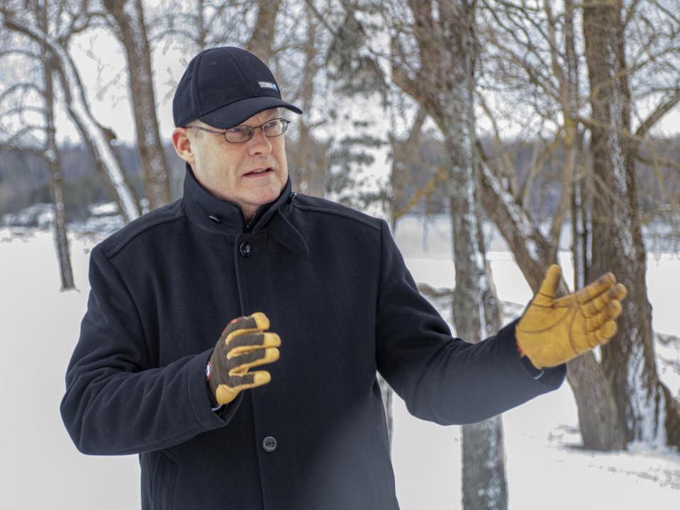 LUT:in opettaja Tapio Saarelainen.