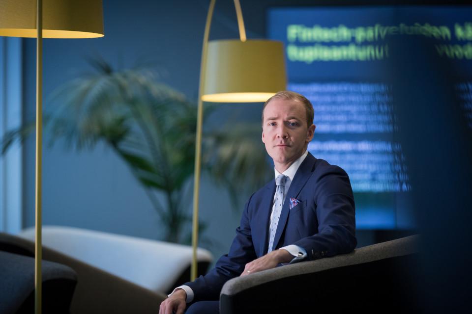 Antti Uusitalo on EY:n osakas ja johtaja yritysjärjestelyissä