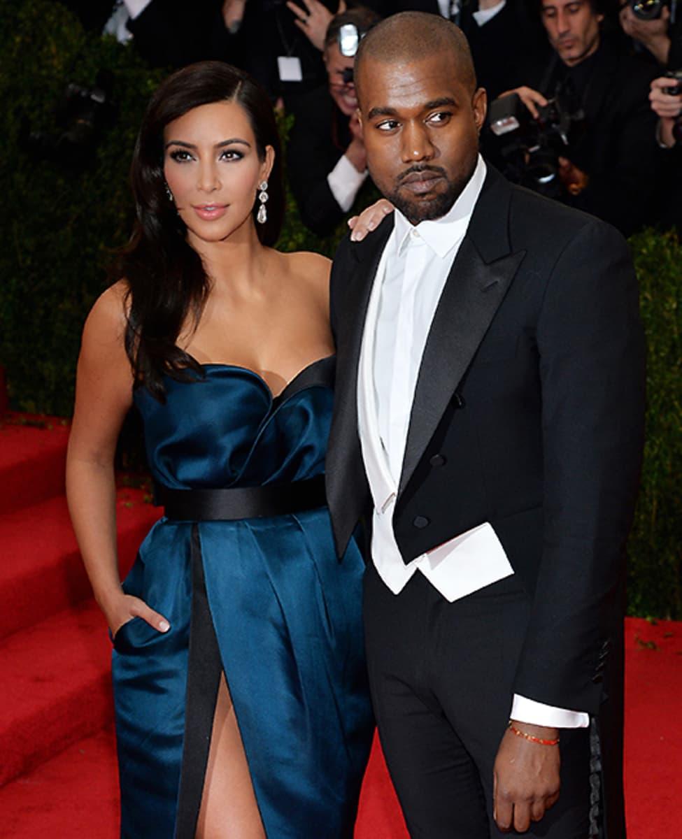 Kim Kardashian ja Kanye West punaisella matolla New Yorkissa 5. toukokuuta 2014.